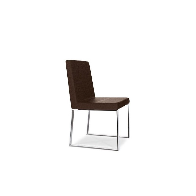 Chaise cuir marron design vigo et chaise cuir design for Chaise design cuir