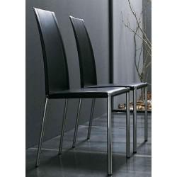 Chaise moderne noir TRIX par MIDJ.