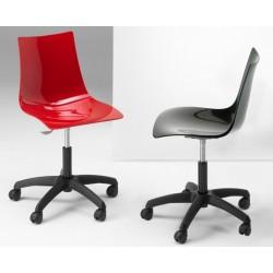 Chaise design a roulette ZEUS