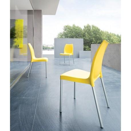 Chaises plastique de terrasse TULIP.