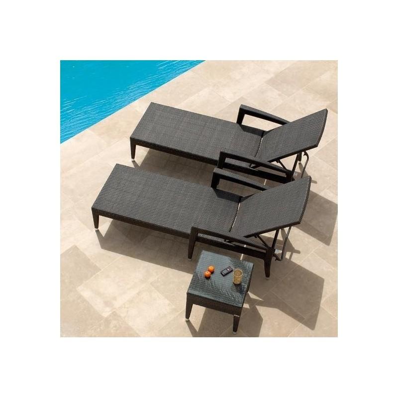 bain de soleil en r sine tr ss e et chaise longue de. Black Bedroom Furniture Sets. Home Design Ideas