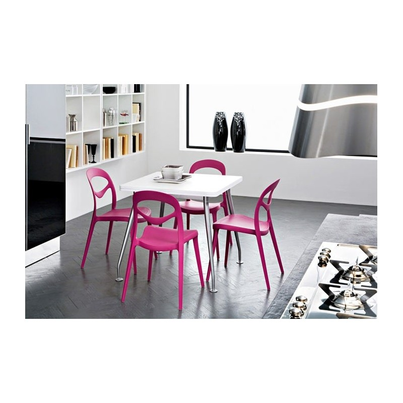 Chaise plastique design for you par domitalia chaises for Chaise cuisine plastique