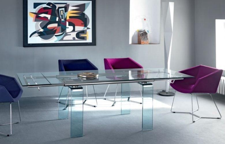 Table et chaises design par MIDJ